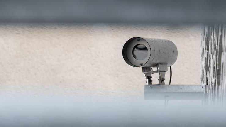 Die Aargauer Regierung gewährt der Polizei umfassende Überwachungs-Möglichkeiten. (Symbolbild)