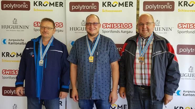 Titelverteidiger Walter Schumacher (Mitte), Silber geht an Willy Linder (links), Bronze sicherte sich Gerry Koch Häseli.