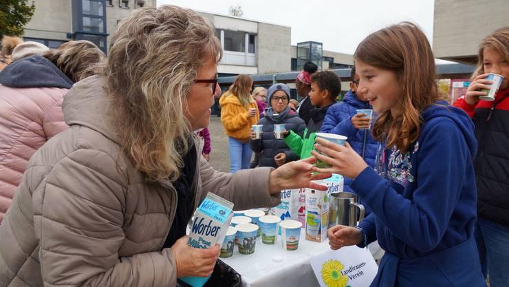 Nicht an allen Schulen ist die von Swissmilk unterstützte Verteilaktion erwünscht.