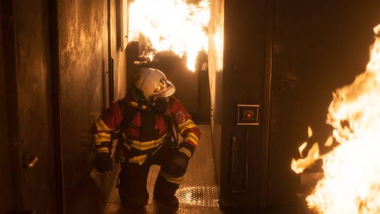 Spektakuläre Bilder der Feuerwehr Zufikon entstanden auch bei der Ausbildung im Brandcontainer. zvg