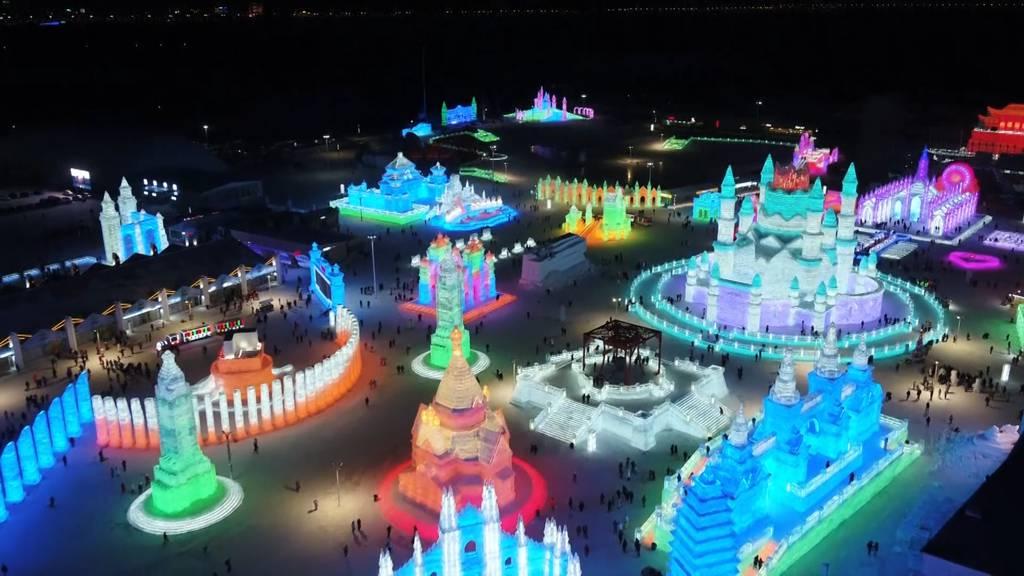 Schnee- und Eis-Festival begeistert in China