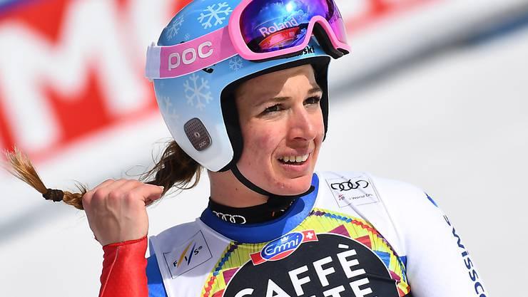 Es ist unklar, ob Jasmine Flury nach ihrer in Lake Louise erlittenen Knieverletzung in diesem Winter noch wird Rennen fahren können