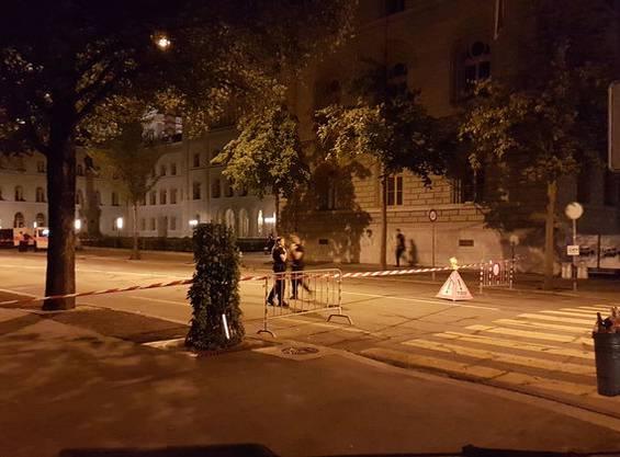 Polizisten sichern am 1. August den Bundesplatz