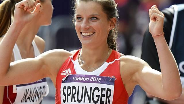 Ellen Sprunger freut sich über ihre Bestleistung über 100 m Hürden