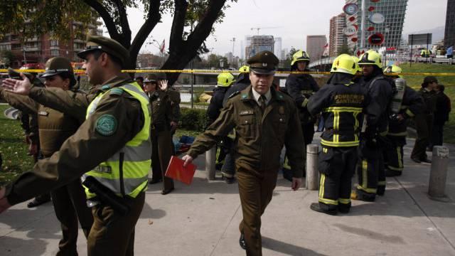 Polizisten an der U-Bahn-Station nach dem Anschlag (Archiv)