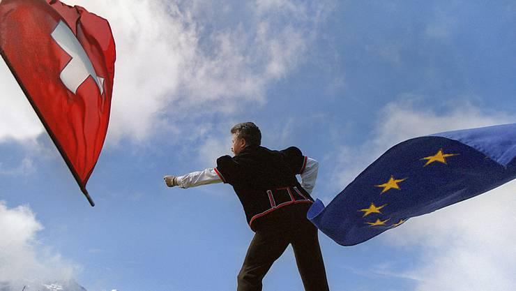 Bilaterale mit der EU oder wortgetreue Umsetzung der SVP-Initiative? Eine neue Umfrage gibt Aufschluss. (Symbolbild)