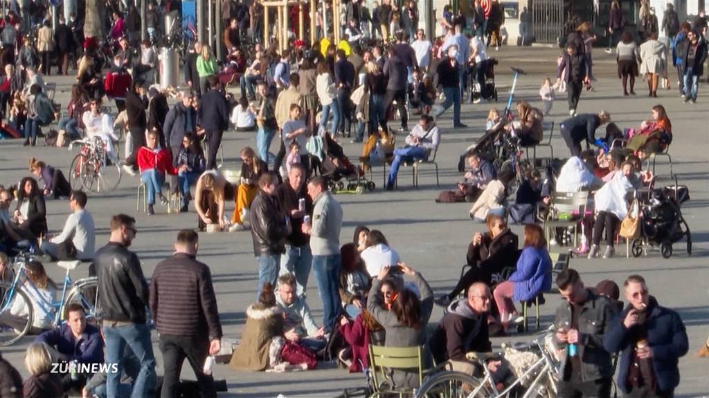 Frühlingsstimmung zieht Tausende an den Zürichsee