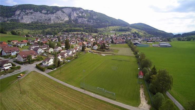 Der Fussballplatz bleibt Fussballplatz: Hier hätte das neue Hotel in Welschenrohr entstehen sollen. Bruno Kissling/Archiv
