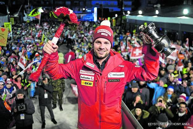 2017: Mit klarer Bestzeit stürzt Feuz (Bild) in der Traverse und schlägt sich selbst. «Ich dachte, jetzt bin ich Herr dieser Piste. Das war ich aber definitiv nicht.» Profiteur vom Malheur des Schweizers war Dominik Paris, der das Rennen gewann. (mpr)