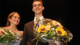 Kim Locher und Oliver Meyer sind die besten KV-Diplomanden am BBZ Freiamt in Wohlen. Jörg Baumann