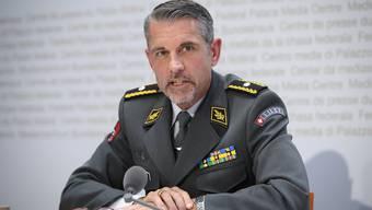 Brigadier Raynold Droz informierte am Montag über die teilweise Rückmobilisierung der Armee.