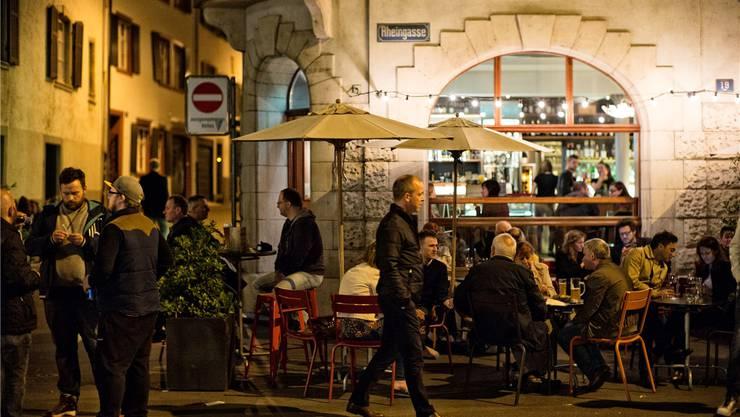 Gewerbeverband und «Kulturstadt Jetzt» haben bei ihren Empfehlungen kaum Überschneidungen, die Realität sieht anders aus: An der Rheingasse etwa sind Kultur und Gewerbe eins.Roland Schmid