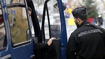 Hunderte Beamte sind im Einsatz, um den mutmasslichen Attentäter aufzuspüren. (Bild vom 12. Dezember)