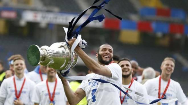 Das letzte Mal in Bern? FCZ-Spieler Yassine Chikhaoui feiert den Cupsieg 2014 im Stade de Suisse. Foto: Keystone