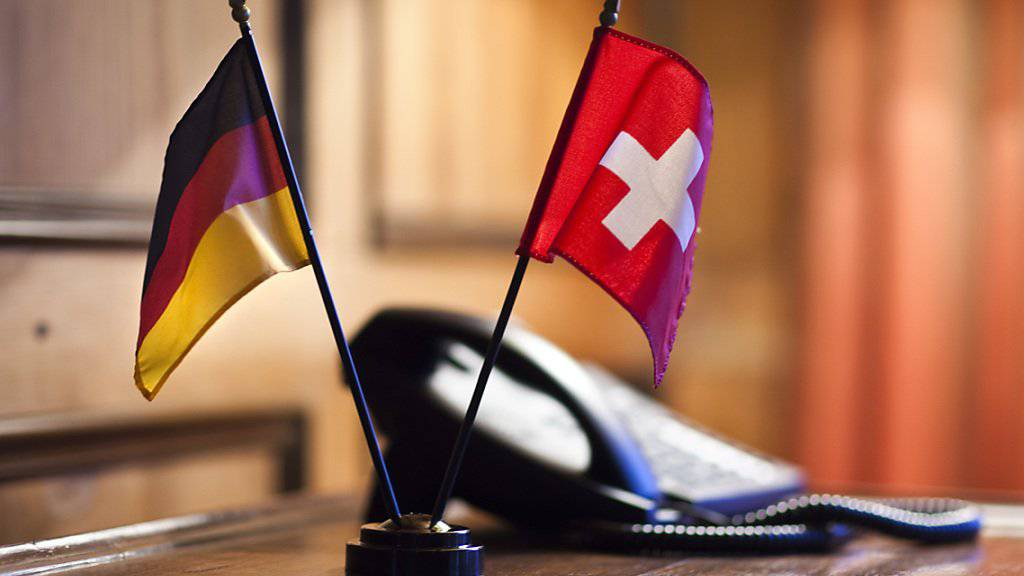Die diplomatischen Drähte zwischen der Schweiz und Deutschland laufen heiss. Die mutmassliche Spionageaffäre erhitzt die Gemüter. (Symbolbild)