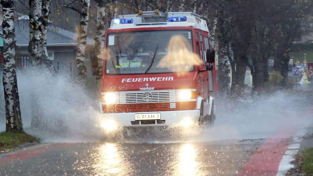Unwetter in Österreich: Hochwasser, Lawinen und abrutschende Hänge