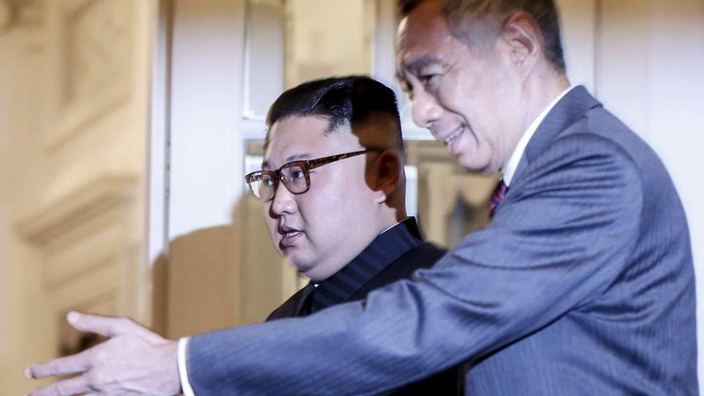Vor dem Gipfel mit US-Präsident Trump in Singapur trifft sich Nordkoreas Machthaber Kim mit Gastgeber Lee.