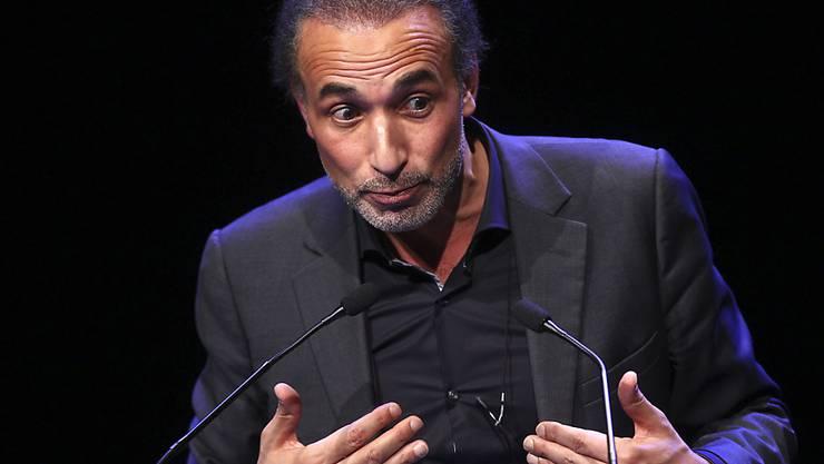 Tariq Ramadan ist nun in Frankreich in vier Fällen wegen Vergewaltigung angeklagt. Ein weiteres Strafverfahren aus demselben Grund läuft gegen ihn in Genf. (Archivbild)