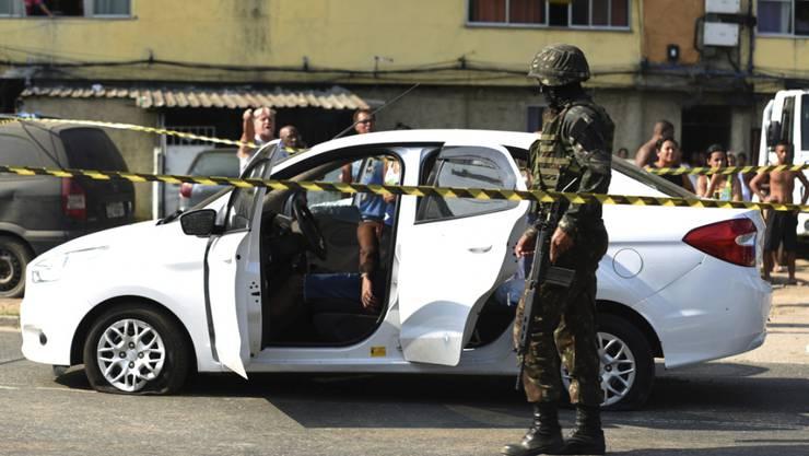 Nach ersten Ermittlungsergebnissen hatten die Soldaten das Auto mit dem Fahrzeug von mutmasslichen Verbrechern verwechselt.