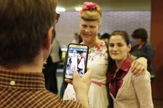 Vor dem eigentlichen Beginn wollten alle ein Foto mit Nicole Bernegger.