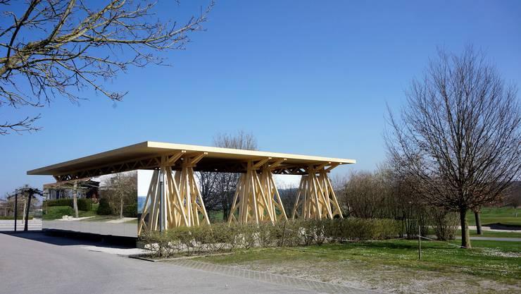 Das neue Garderobenprovisorium auf dem Golfplatz Limpachtal.