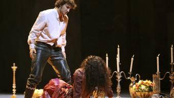 """Star-Tenor Jonas Kaufmann - hier an der Scala als Don José in """"Carmen"""" - hofft, nach Stimmbandproblemen bald das Training wieder aufnehmen zu können. (Archivbild)"""