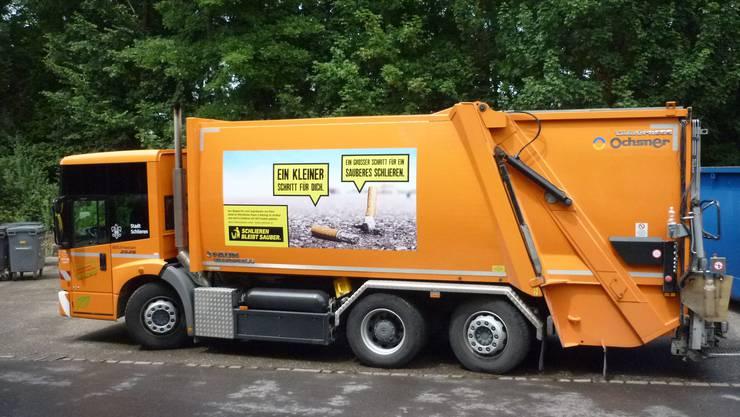 So fängt die Schlieremer Version der Limmattaler Kampagne gegen Littering an: mit einem grossen Plakat auf dem Müllabfuhr-Wagen der Stadt Schlieren.