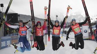 Das Schweizer Frauenteam der Biathletinnen hofft auch auf Freudensprünge an einer Heim-WM.