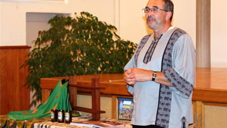 Ueli Gnehm erzählt, wie er Jugendlichen in Sambia eine Ausbildung ermöglicht. fabienne eichelberger