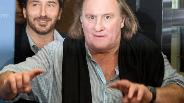 Nicht mehr ganz sicher auf den Beinen: Gérard Depardieu (Archiv)