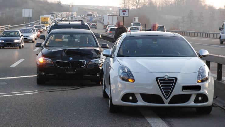 Die drei Fahrzeuge wurden abgeschleppt.
