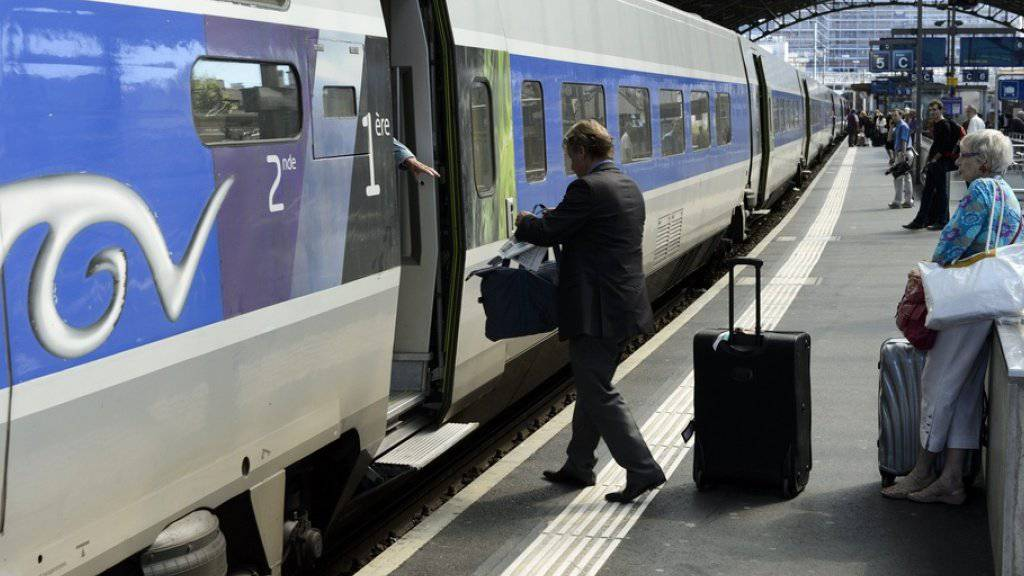 Die TGV-Betreiberin Lyria wollte eine von vier täglichen Zugverbindungen von Lausanne nach Paris über das Burgund und die Freigrafschaft (Franche-Comté) einstellen. (Archivbild)