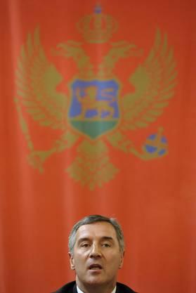 Montenegros Premier Milo Dukanovic während einer Pressekonferenz mit seinem ungarischen Gegenpart Ferenc Gyurcsany am 20. Mai 2008. (AP Photo/Bela Szandelszky)