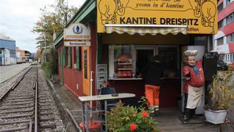 Die Kantine Dreispitz bietet alle Menüs auch zum Mitnehmen an. Im Häuschen haben aber rund hundert Gäste Platz. Fotos SSC