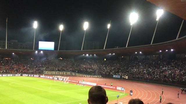 """FCZ-Fans machen ihrem Ärger Luft und """"besingen"""" Club-Präsident Canepa"""