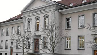 Lebenslänglich, aber keine Verwahrung: Das Bezirksgericht Bülach hat im Mordfall Boppelsen/Utzingen sein Urteil gefällt. (Archivbild)