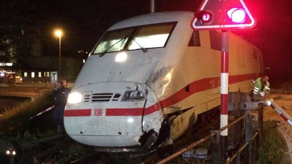 Dieser Zug stiess gegen den Reisecar. (Archivbild Kantonspolizei Bern)