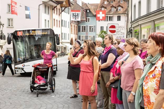 Frauenstreik in der Aarauer Altstadt