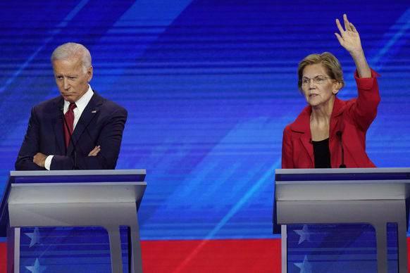 Unter Beschuss: Joe Biden (links). Rechts Elizabeth Warren, Senatorin aus Massachusetts.