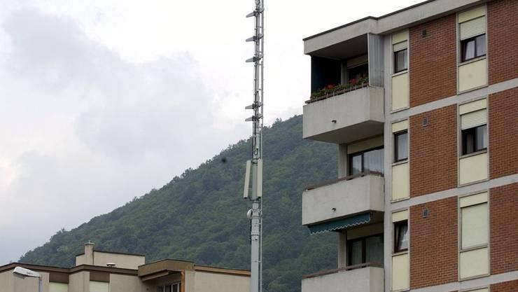 Thema grosser Debatten: Soll die Leistung von Mobilfunk-Antennen auf Liegenschaften reduziert werden?