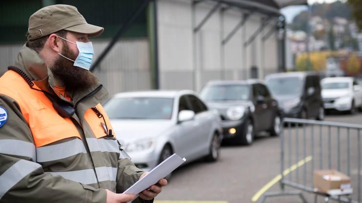 Das Drive-In-Testzentrum auf der Luzerner Allmend wurde aufgrund der hohen Nachfrage Mitte Oktober wieder in Betrieb genommen.