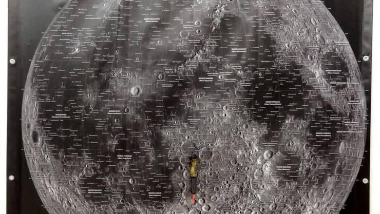 """Das Werk """"Mondflug"""" (2017) von Roman Signer ist Teil der Ausstellung """"Fly me to the Moon"""" im Kunsthaus Zürich. Sie dauert vom 5. April bis 30. Juni 2019."""