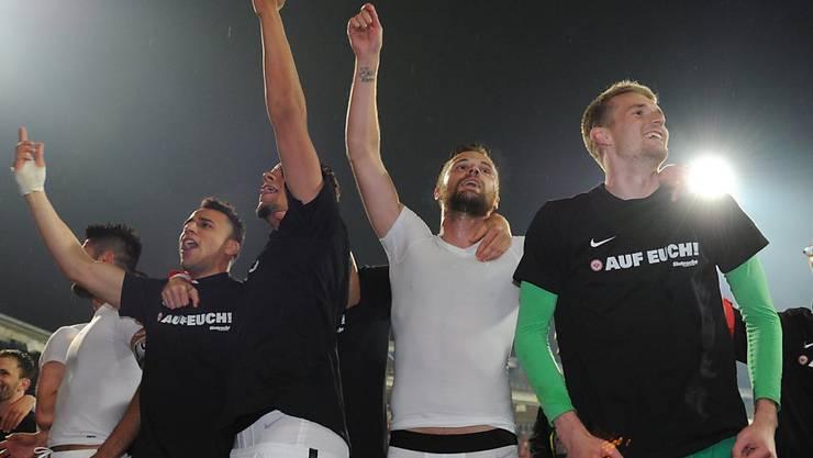 An Frankfurts Ligaerhalt massgeblich beteiligt: Haris Seferovic (2. von rechts)