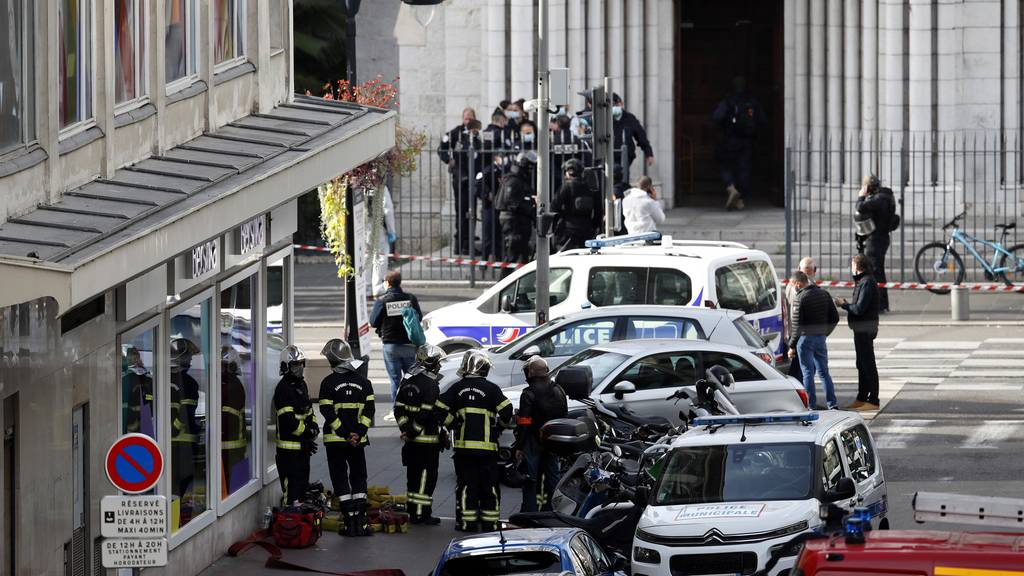 Höchste Terrorwarnstufe in Frankreich ++ 7000 Soldaten mobilisiert