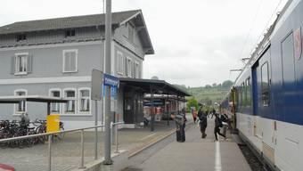 Auf der Strecke Koblenz-Turgi braucht es am Donnerstagmorgen viel Geduld. Im Bild: Der Bahnhof von Döttingen. (Archivbild)
