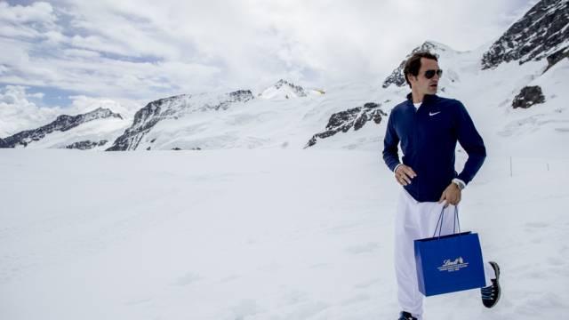 Roger Federer spielt nicht nur Tennis (Key)