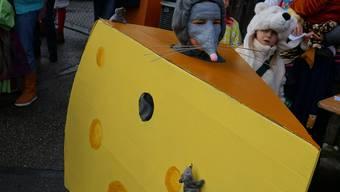 Es war eine farbenfrohe Gruppe an der Kinderfasnacht in Bergdietikon.