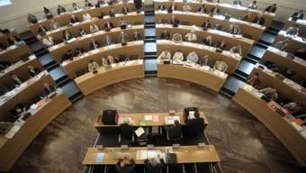 Bald ohne Kleinparteien? Der Grossratssaal in Aarau. (Archiv)