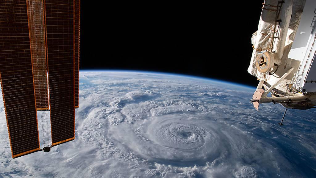 Auf der internationalen Raumstation ISS kam es zu zwei Pannen.