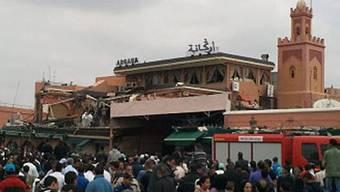 Das Café steht an einem belebten Platz in Marrakesch